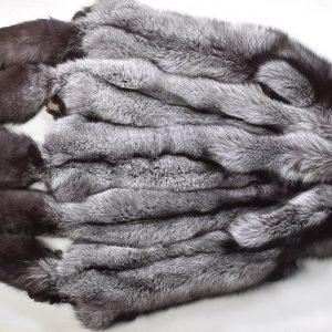 Лиса серебристо-черная